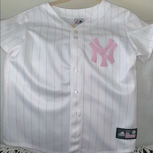 pink/white striped ny yankee shirt